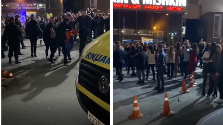 «Видели только окровавленное тело»: в новосибирском баре произошла потасовка
