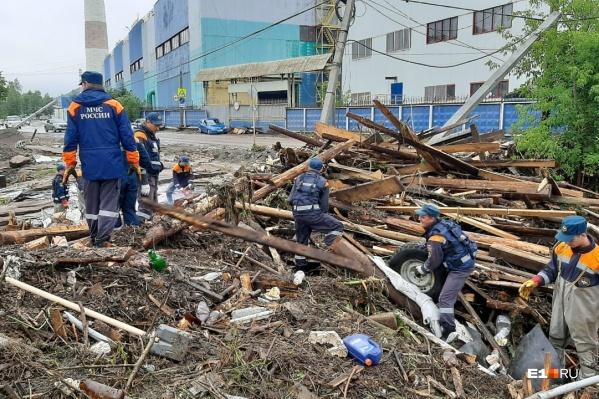 Из-за потопа пострадали сотни жилых домов