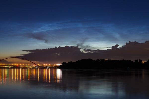 Серебристые облака появляются в наших широтах в июне-июле
