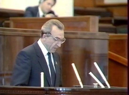 «Он предложил ввести должность президента»: волгоградец достал из архива кадры «эпохального» съезда депутатов
