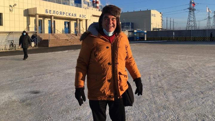 Оскароносный режиссер Оливер Стоун прогулялся по Белоярской АЭС. Публикуем фото