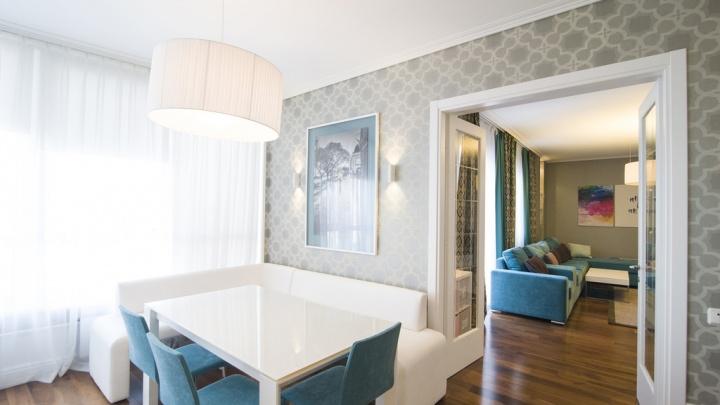 В Омске за 20 миллионов продают двухуровневую квартиру с панорамными окнами с видом на Иртыш