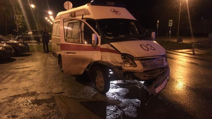 На Затулинке машина скорой помощи попала в ДТП — врача пришлось госпитализировать