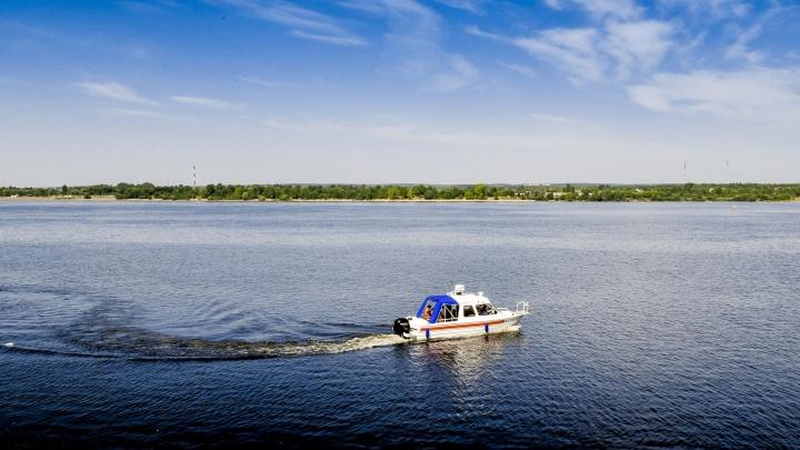Спасатели начали патрулировать акваторию Камы в Перми на катере