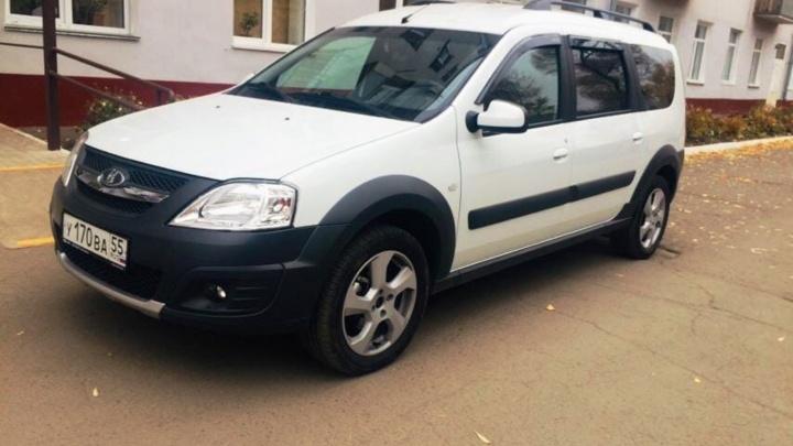 Для поликлиник Омской области закупят 33новых легковых автомобиля
