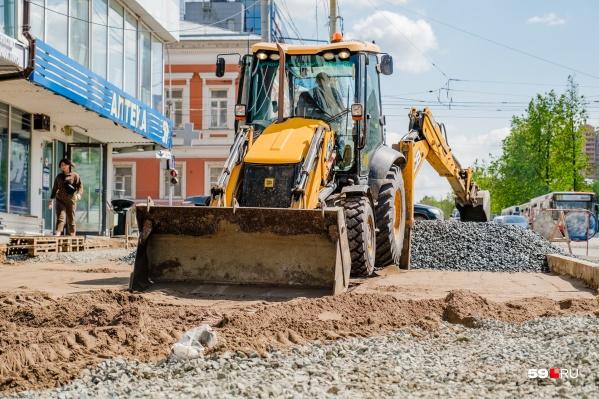 Работы на Комсомольском проспекте ведут все лето