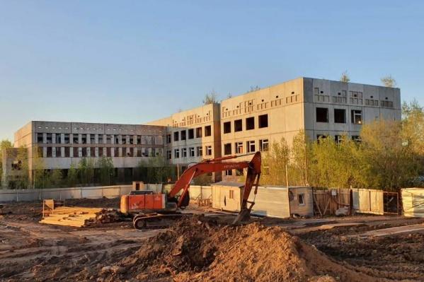 Эту школу строили еще в конце 1980-х годов<br>