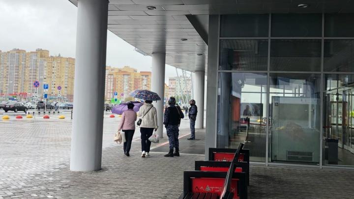 В Тюмени эвакуируют людей из торговых центров: закрыты «Гудвин», «Кристалл» и «Остров»