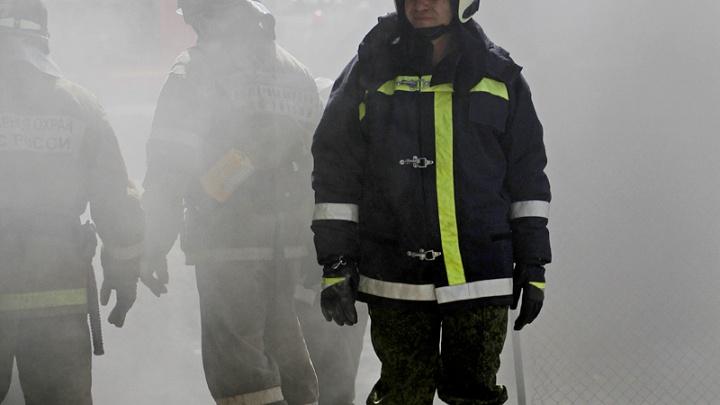 Пожар площадью 200 квадратных метров начался на месторождении под Когалымом