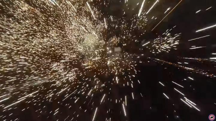 «Главное, не сгореть и не взорваться»: волгоградец впервые запустил коптер в «огненные шары»