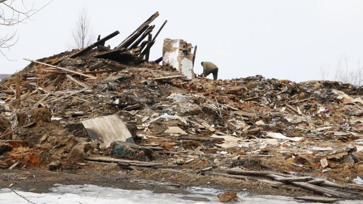 Весна не к лицу: гуляем с 29.RU по Соломбале, полной разрухи, грязи и луж