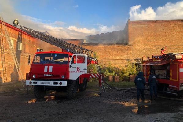 Сообщение о пожаре поступило в МЧС в 17:30