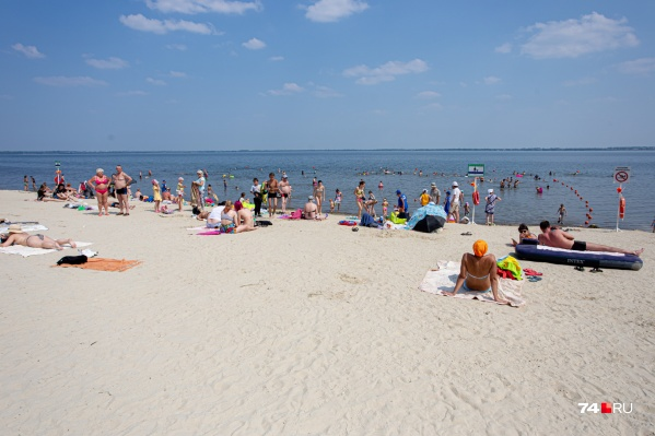 В Челябинске сейчас есть три благоустроенных бесплатных пляжа: на Шершнёвском водохранилище, на Смолино и на Первом озере