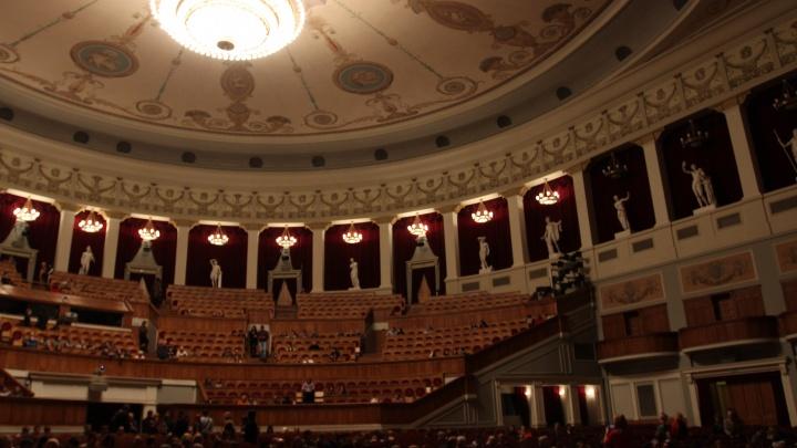 НОВАТ покажет спектакли в пустом зале и прямом эфире — онлайн-трансляцию смотрите на НГС