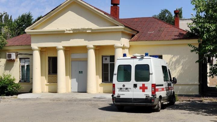 Скорую вызвала через четыре дня: в Волгограде коронавирус убил 52-летнюю женщину