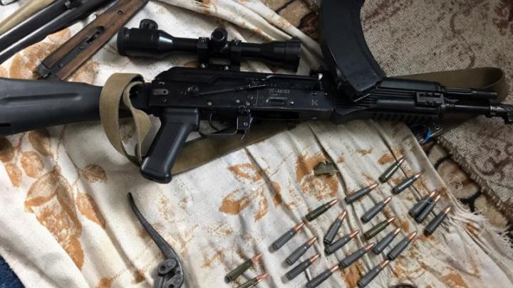 В Зауралье у отца с сыном нашли автомат и боевые патроны
