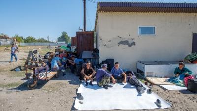 Узбеков-мигрантов увезут из Каменска в Волгоградскую область