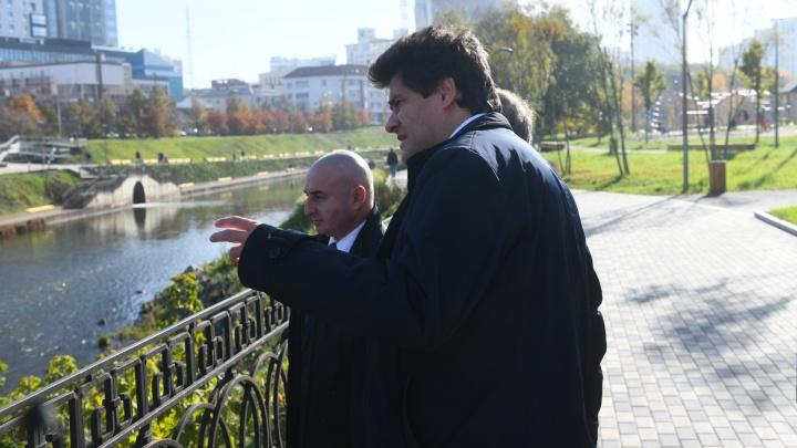 Гуляем с мэром: Александр Высокинский в прямом эфире E1.RU ответил на вопросы горожан