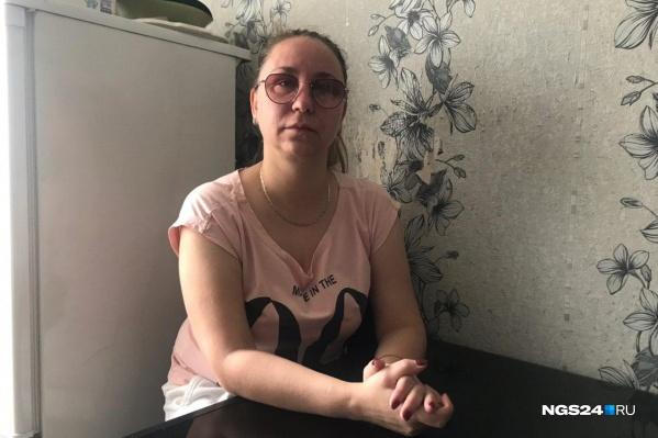 Мужа Марины Смирновой в субботу задержали по подозрению в ограблении инкассаторов, а потом отпустили без каких-либо пояснений