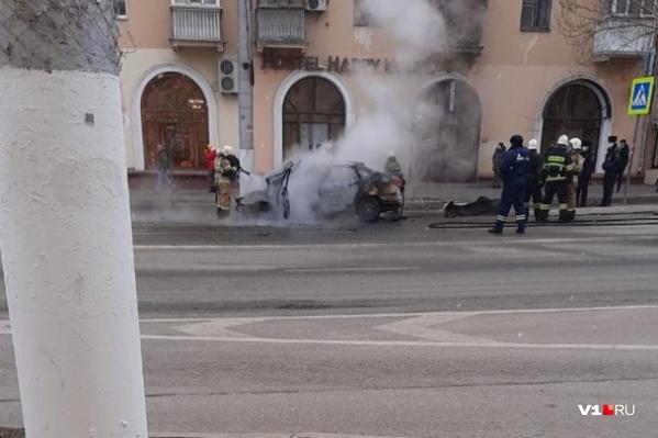 Машина полностью сгорела за считаные минуты