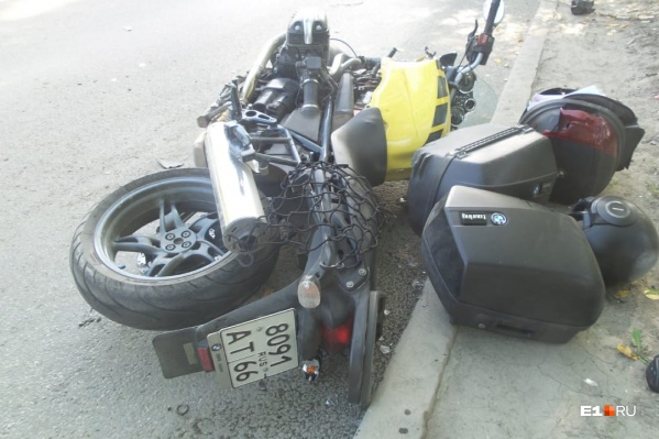 Водитель мотоцикла не успел даже сбавить скорость