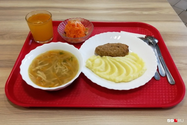 Качество блюд, которыми кормят детей, проверит комиссия из сотрудников прокуратуры, Минздрава и Роспотребнадзора