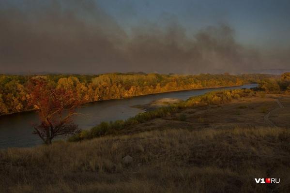 Дым окутал небо над Хопром