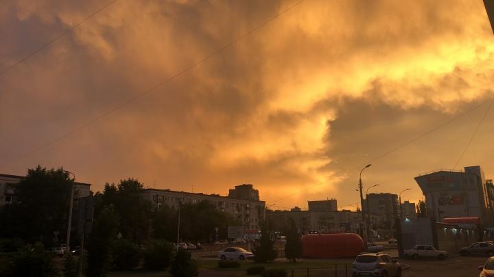 Есть город золотой: волгоградцы любуются необычайно красивым закатом
