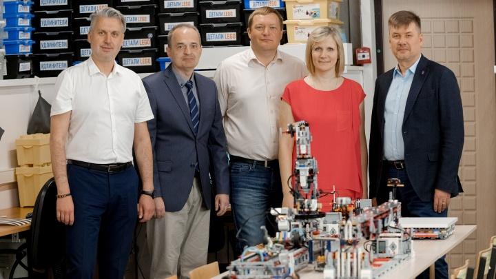В Архангельске появился класс «Ростелекома» с углубленным изучением цифровых технологий и робототехники
