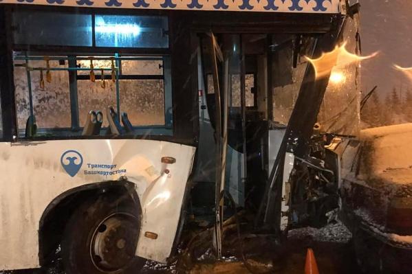 В автобусе на момент ДТП находилось 20 пассажиров