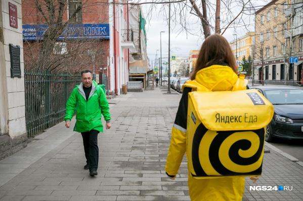 Особенно много курьеров в Красноярске стало в период пандемии, но про ограбления новостей не было