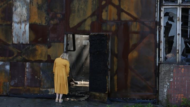 Что осталось на месте сгоревшего склада в Новосибирске: 9 фотографий после страшного пожара