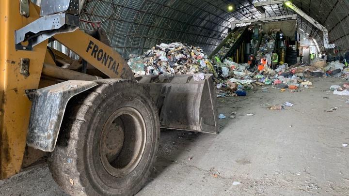 «Выкинули в обувной коробке»: на мусорном полигоне под Челябинском нашли тело младенца