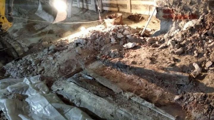 В Спасской церкви нашли дубовый гроб. В нём могут быть останки Андрея Текутьева — известного купца