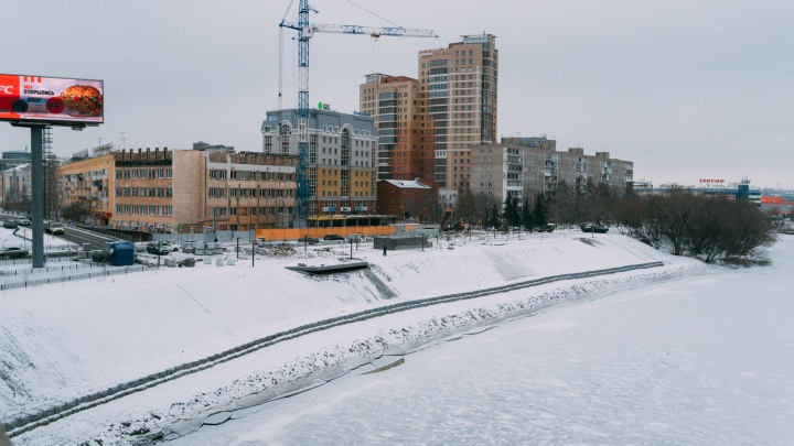 Подрядчикам позволили завершить работы на Театральной площади и набережной Оми до Нового года
