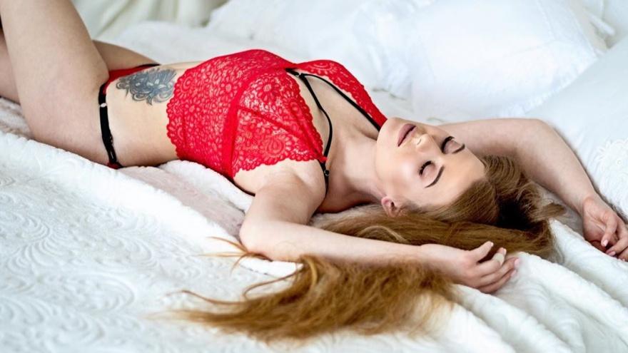 Сексуальная омичка решила побороться за звание Miss Maxim 2020