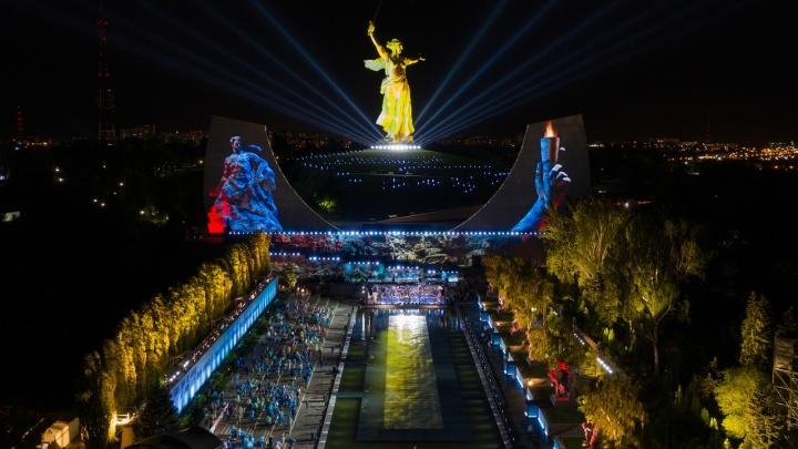 Мизансцены из пьес Островского: мнение о параде без зрителей и концерте для избранных в Волгограде