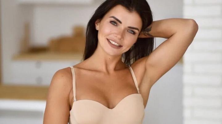 «Повод не разжиреть»: воздушная гимнастка из Ярославля вошла в десятку Miss MAXIM. Смотрим фото