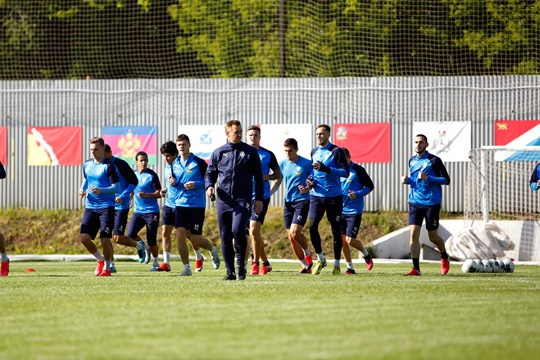 Футболисты уже тренируются перед возобновлением сезона