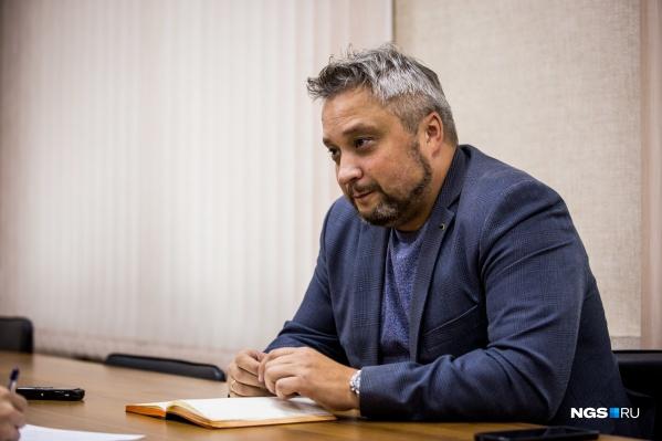 Официально Андрея Романцова, курировавшего дороги и парковки, уволили по собственному желанию