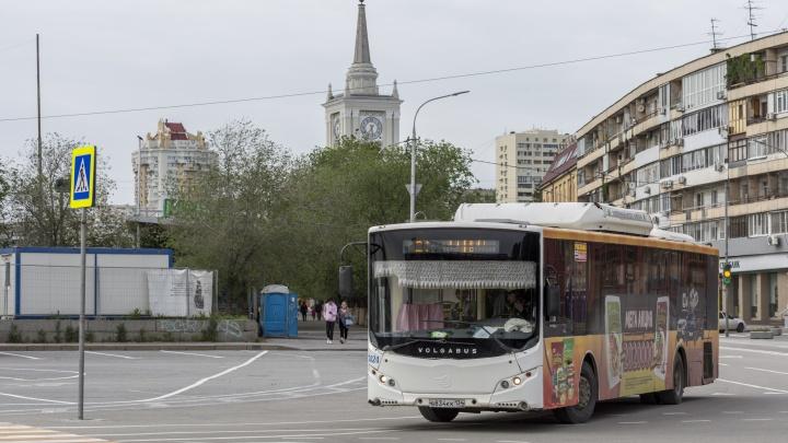 В Жилгородке заглохший автобус «Питеравто» на час перегородил проезд транспорта
