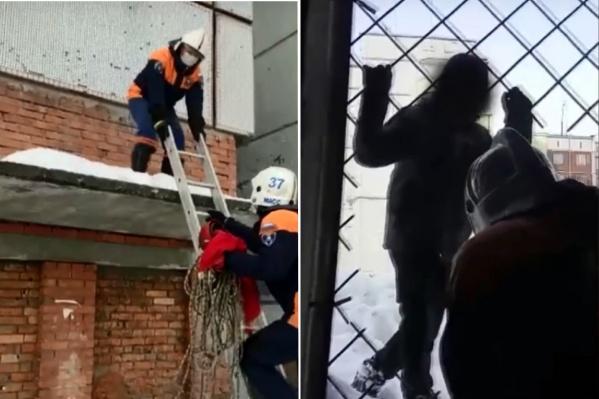 Ребёнок забрался вчера днём около 16:00 на крышу на улице Тамбовской и не смог выбраться