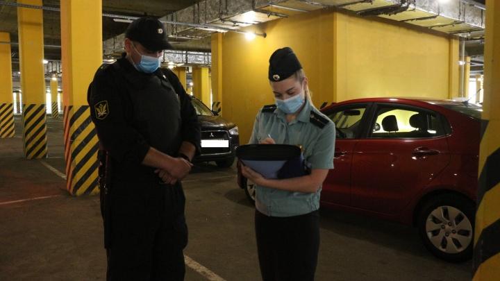 Кузбассовец выплатил алименты ко дню рождения дочери. У него накопился долг почти 400тысяч