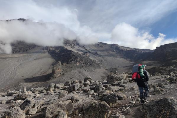 Новосибирец решил отправиться в Танзанию и покорил самый высокий вулкан в Африке