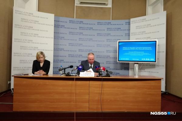 Пока коронавируса в Омске нет, но, по-видимому, он скоро появится. Владимир Куприянов на сегодняшней пресс-конференции обрисовал перспективы