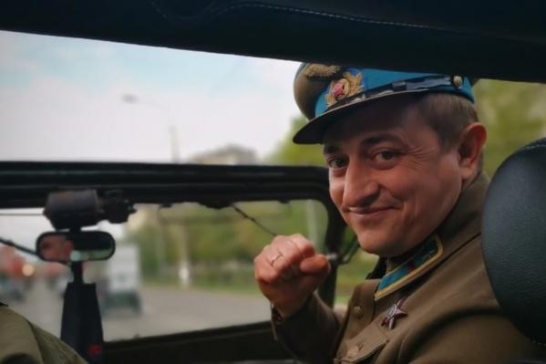 Депутат 9 Мая примерил на себя орден Красной Звезды