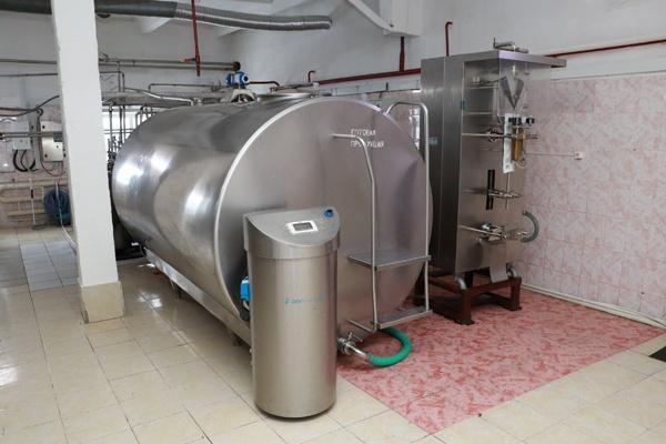 Кузбасская колония начала производить молоко длительного хранения. Рассказываем, куда его отправляют