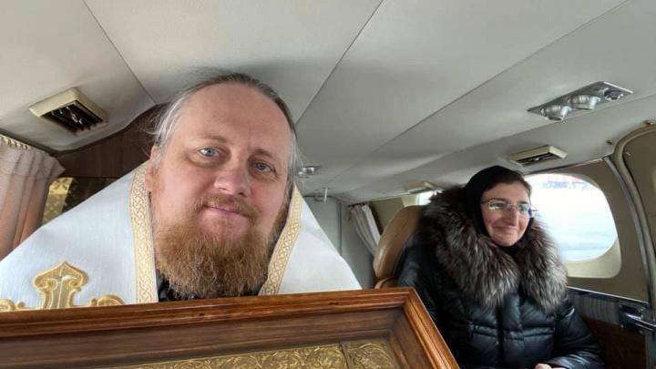 Над Ярославлем пролетел вертолёт с чудотворной иконой