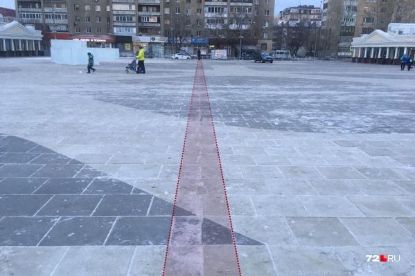 Трещина появилась в результате строительства ледового городка