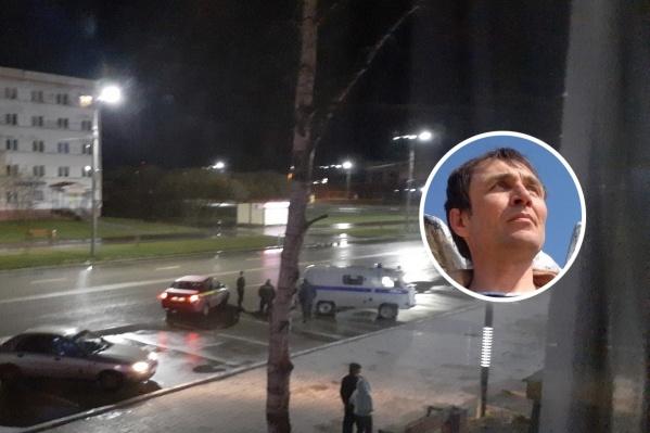 Мужчина скончался рядом с супермаркетом. Перед этим его задержала полиция